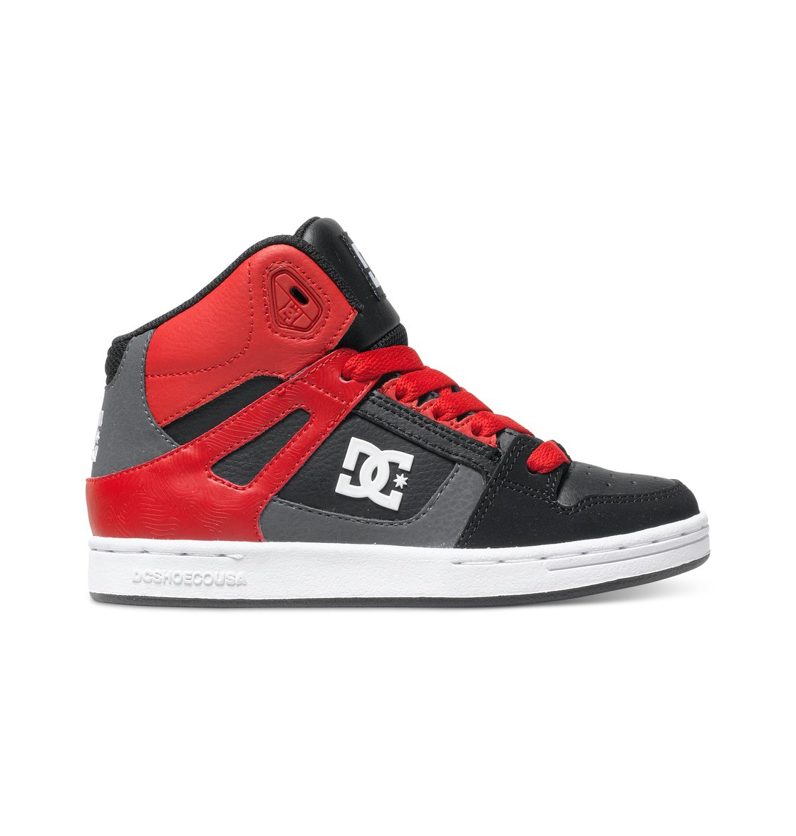 Rebound - Dcshoes������� ���� Rebound ��� ��������� �� DC Shoes. <br>��������������: ������� ��� � �������������� ���������, ������� ���� � ������� � ������ ������������, ���� � ��������� �����������, ��������� ��� �������� � ���������� �� �����������, ������������� ���������� �������, ��������� ������� ���������� ������� DC Pill Pattern. <br>������: ����: ���� / ���������: �������� / �������: ������.<br>