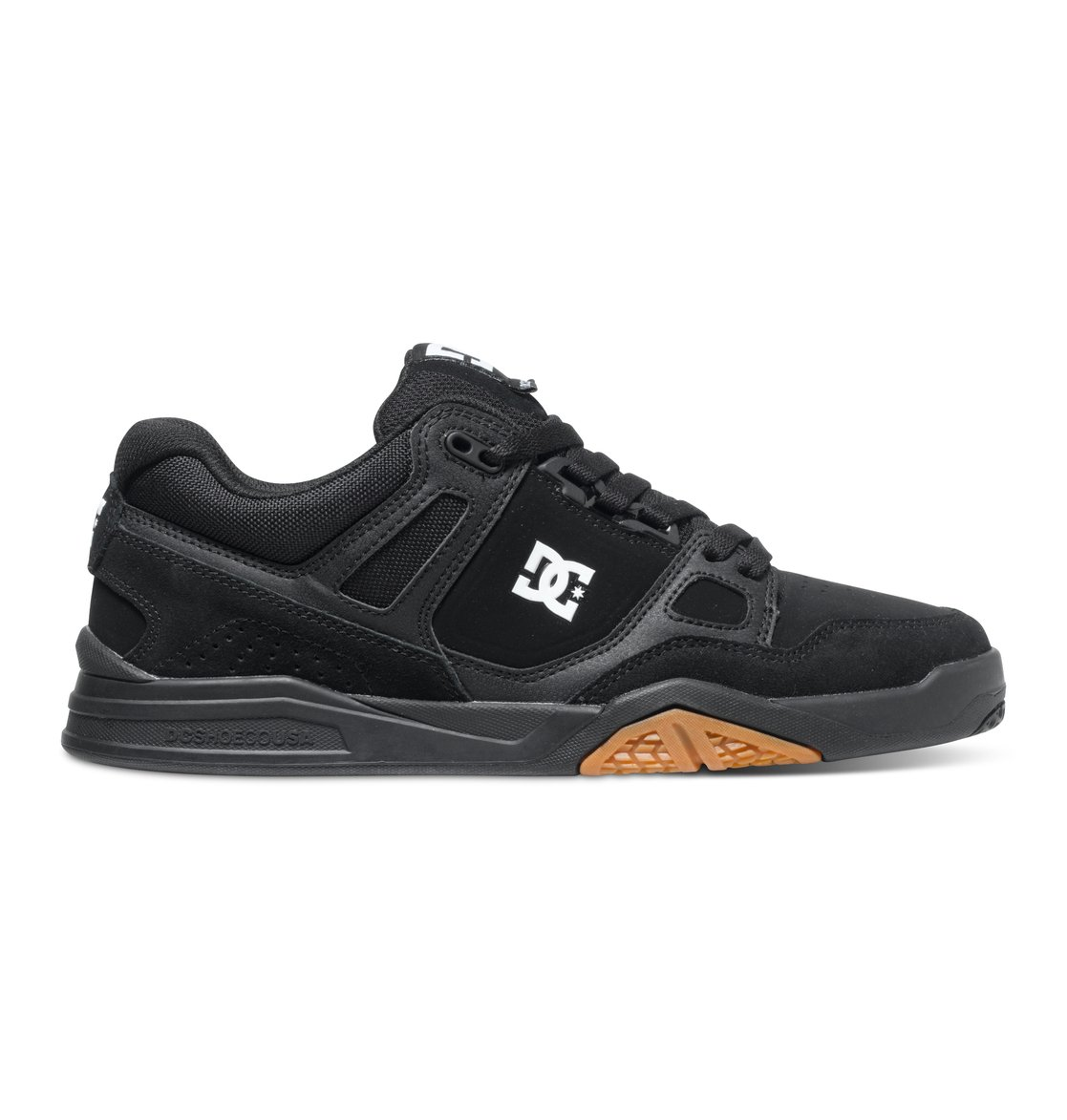 Stag 2 - Dcshoes������ ������� ���� Stag 2 �� DC Shoes. <br>��������������: ������������� ����� ������ ����������, �������������� �� ������ ���������� ������ ������ �����, ������� ���� Heavy Duty � �����, ������� ���� � ������� � ������ ������������, ��������� ������� ���������� ������� DC Pill Pattern. <br>������: ����: ���� / ���������: �������� / �������: ������.<br>
