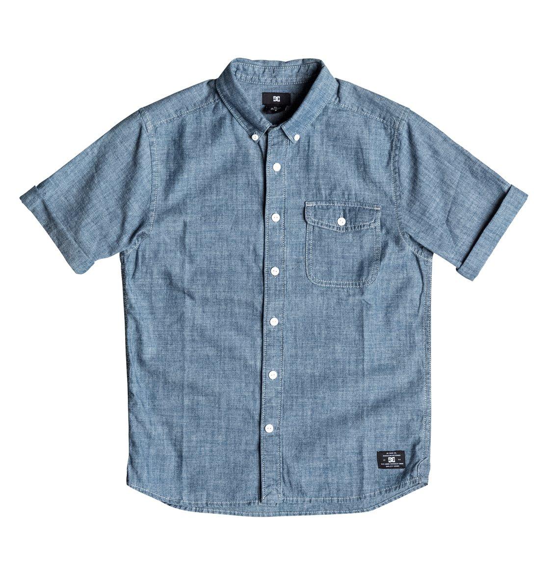 Riot Van Short Sleeve ShirtРубашка с коротким рукавом для мальчиков Riot Van от DC Shoes. <br>ХАРАКТЕРИСТИКИ: стандартный крой, хлопок-шамбре, нагрудный карман, воротник на пуговицах. <br>СОСТАВ: 100% хлопок.<br>