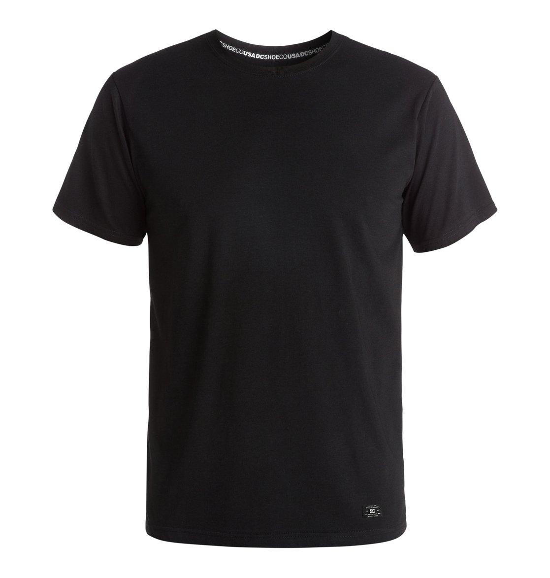 Basic T-ShirtМужская футболка Basic от DC Shoes. <br>ХАРАКТЕРИСТИКИ: короткие рукава, округлый вырез, сочетание хлопка и полиэстера, отделанный воротник, тесьма с маркировкой DCSHOECO в районе плеч и задней части воротника, ярлык с логотипом DC спереди. <br>СОСТАВ: 60% хлопок, 40% полиэстер.<br>