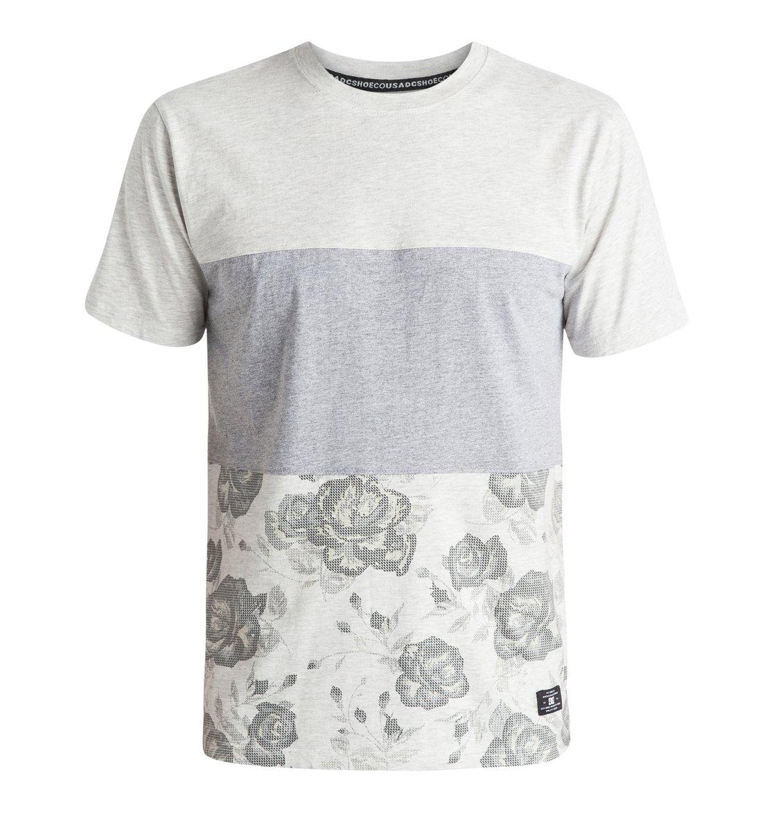 Richton T-ShirtМужская футболка Richton от DC Shoes. <br>ХАРАКТЕРИСТИКИ: мягкий трикотаж, панельный дизайн в стиле color block, сплошной принт в нижней части, боковые прорези. <br>СОСТАВ: 100% хлопок.<br>