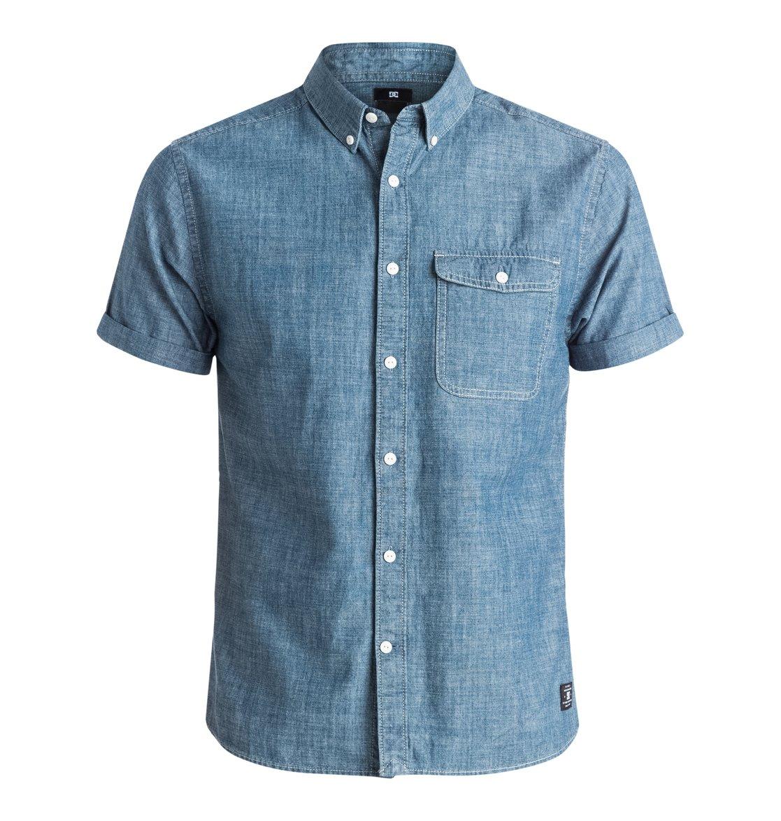 Riot Van Short Sleeve ShirtМужская рубашка с коротким рукавом Riot Van от DC Shoes. <br>ХАРАКТЕРИСТИКИ: стандартный крой, хлопок-шамбре, нагрудный карман, воротник на пуговицах. <br>СОСТАВ: 100% хлопок.<br>
