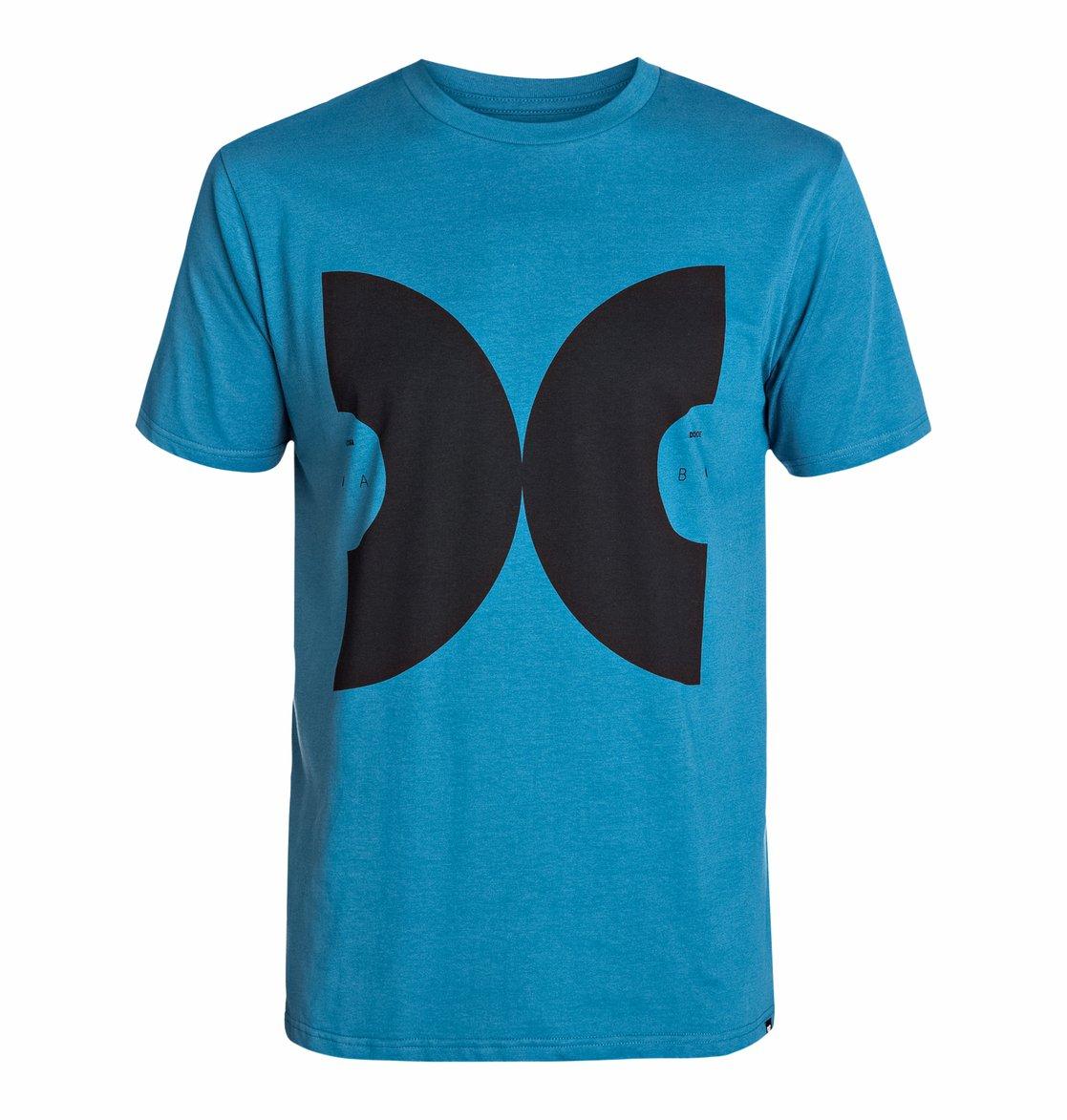 Vinyl Short Sleeve - Dcshoes������� �������� � ����������� ������� Vinyl SS �� DC Shoes � ������� �� ��������� ����� 2015. ��������������: ����������� ����, ������� ���������� ��������� ������� Softhand Ink.<br>