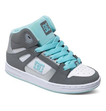 Rebound High Top ShoesВысокие кеды для мальчиков Rebound от DC Shoes. <br>ХАРАКТЕРИСТИКИ: уплотненный нос для прочности и повышенной износостойкости, лодыжка и язык с удобным пенным наполнителем, перфорированный верх – залог хорошего воздухообмена, отверстия для шнуровки с окантовкой из термополиуретана, износостойкая каучуковая подошва, фирменный рисунок протектора подошвы DC Pill Pattern. <br>СОСТАВ: верх – кожа / подкладка – текстиль / подошва – каучук.<br>