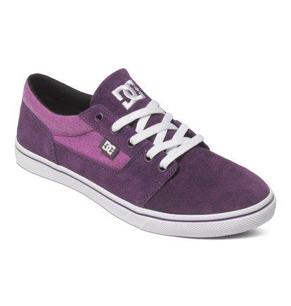 Wo Tonik W SE Low Top ShoesНизкие женские кеды Tonik W SE от DC Shoes. <br>ХАРАКТЕРИСТИКИ: верх из сочетания премиального текстиля и замши, вулканизированная конструкция, вощеные хлопчатобумажные шнурки, износостойкая каучуковая подошва, фирменный рисунок протектора подошвы DC Pill Pattern. <br>СОСТАВ: верх – кожа / подкладка – текстиль / подошва – каучук.<br>