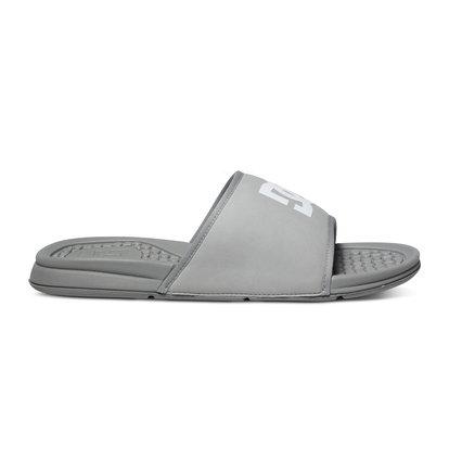 Bolsa SandalsМужские сланцы Bolsa от DC Shoes.ХАРАКТЕРИСТИКИ: верх из синтетической кожи с пенным наполнителем, удобный и прочный полимер EVA двойной плотности.СОСТАВ: верх – синтетика / подкладка – текстиль / подошва – EVA.<br>