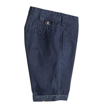 Beadnell ShortsШорты для мальчиков Beadnell от DC Shoes. <br>ХАРАКТЕРИСТИКИ: хлопчатобумажная саржа, узкий крой, ширинка на пуговицах, карманы у боковых швов. <br>СОСТАВ: 100% хлопок.<br>