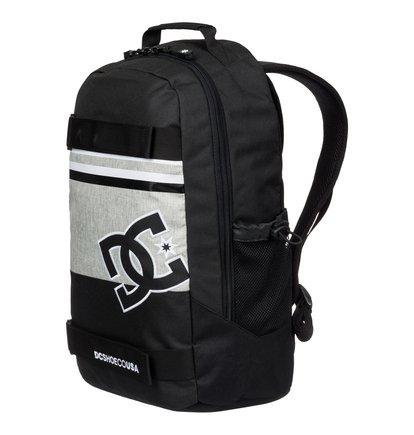 Grind Skate BackpackМужской скейтовый рюкзак Grind от DC Shoes. <br>ХАРАКТЕРИСТИКИ: одно основное отделение, два боковых сеточных кармана, стреп спереди для крепления скейтборда, внутренний органайзер, логотип DC с вышитым контуром спереди, уплотненные заплечные лямки с регулировкой длины, уплотненная спинка, размер – 47 x 30 x 16 см, объем – 23 л. <br>СОСТАВ: 100% полиэстер.<br>