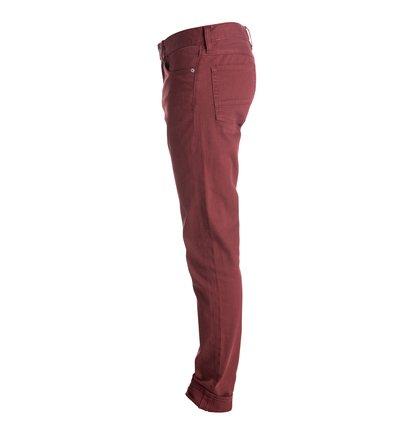 Colour Jean 32 Slim Fit JeansУзкие мужские джинсы Color Jean 32 от DC Shoes.ХАРАКТЕРИСТИКИ: удобный слегка эластичный деним, узкий крой, ширинка на молнии, декоративные металлические заклепки.СОСТАВ: 98% хлопок, 2% эластан.<br>