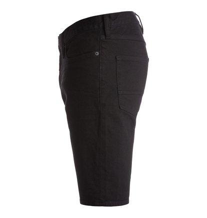 Worker Straight Denim ShortsМужские джинсовые шорты Worker Straight от DC Shoes. <br>ХАРАКТЕРИСТИКИ: эластичный черный деним плотностью 340 г/кв. м, прямой крой, ширинка на молнии, декоративные металлические заклепки. <br>СОСТАВ: 99% хлопок, 1% эластан.<br>