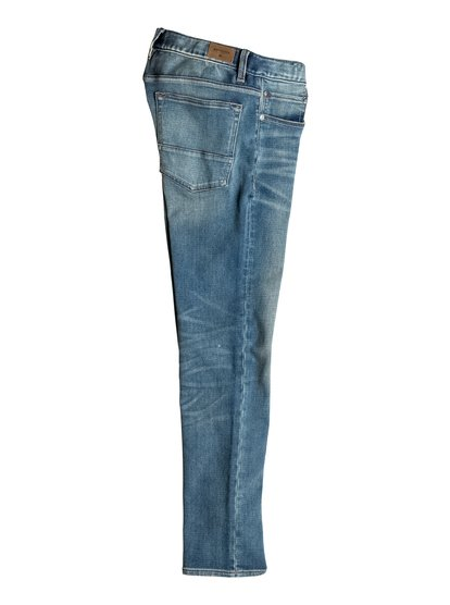 Прямые джинсы Revolver Stormy BlueПока одни гоняются за самыми узкими в мире джинсами, вы можете стать воплощением старых добрых традиций, всего лишь надев классические прямые джинсы Revolver. Идеальный выбор для скейтбординга, дальней поездки, повседневных подвигов и свиданий с леди. Благодаря небольшой доле эластана в составе эти джинсы прослужат вам дольше, чем малиновые кусты на бабушкиной даче. Частично высветленный дизайн «а-ля винтаж» сегодня особенно актуален!<br>