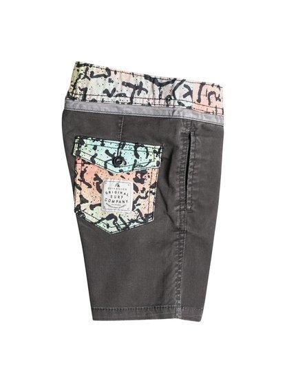 Boy's Street Trunk Yoke Cracked Shorts от Quiksilver RU