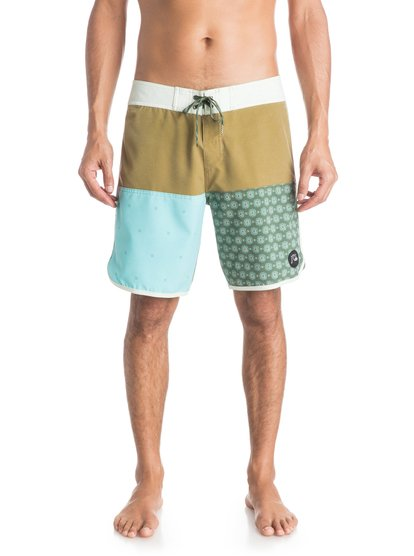 "Quiksilver Men's Quad Block 18"" Boardshorts"