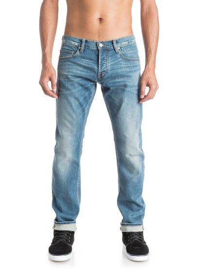 Mens Revolver Whiten 32 Straight Fit JeansПрямые мужские джинсы Revolver Whiten 32 от Quiksilver.ХАРАКТЕРИСТИКИ: классические пять карманов, ширинка на пуговицах, эластичный хлопок, мягкий деним средней плотности 315 г/кв. м.СОСТАВ: 98% хлопок, 2% эластан.<br>