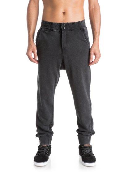 World Over SweatpantsМужские спортивные штаны World Over от Quiksilver. <br>ХАРАКТЕРИСТИКИ: клиновидная вставка-ластовица, стопроцентный хлопок, ткань плотностью 280 г/кв. м, узкий крой и заниженная шаговая линия. <br>СОСТАВ: 80% хлопок, 20% полиэстер.<br>