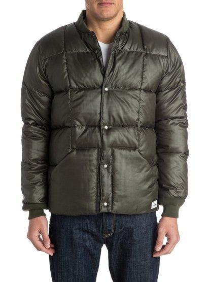 BomberМужская куртка Bomber от Quiksilver. Характеристики: стеганый дизайн, застегивается на кнопки (включая карманы), воротник и манжеты в рубчик. <br>СОСТАВ: 100% полиэстер.<br>