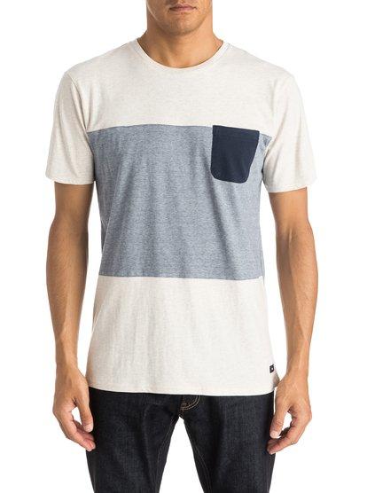 Capture Island T-ShirtМужская футболка Capture Island от Quiksilver. <br>ХАРАКТЕРИСТИКИ: короткие рукава, округлый вырез, мягкий натуральный трикотаж, панельный крой и принт в полоску. <br>СОСТАВ: 100% хлопок.<br>