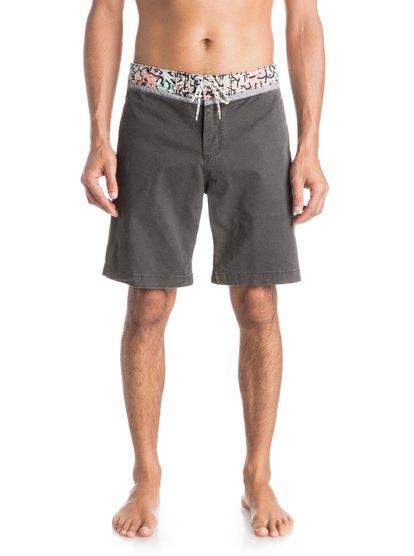 Street Trunk Yoke Cracked ShortsМужские шорты Street Trunk Yoke Cracked от Quiksilver. <br>ХАРАКТЕРИСТИКИ: крой Yoke, прямой крой, длина – 48,3 см (19), эластичная хлопчатобумажная ткань. <br>СОСТАВ: 98% хлопок, 2% эластан.<br>