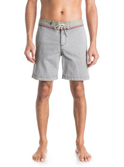 Street Trunk Yoke ShortsМужские шорты Street Trunk Yoke от Quiksilver. <br>ХАРАКТЕРИСТИКИ: крой Yoke, прямой крой, длина – 48,3 см (19), эластичная хлопчатобумажная ткань. <br>СОСТАВ: 98% хлопок, 2% эластан.<br>