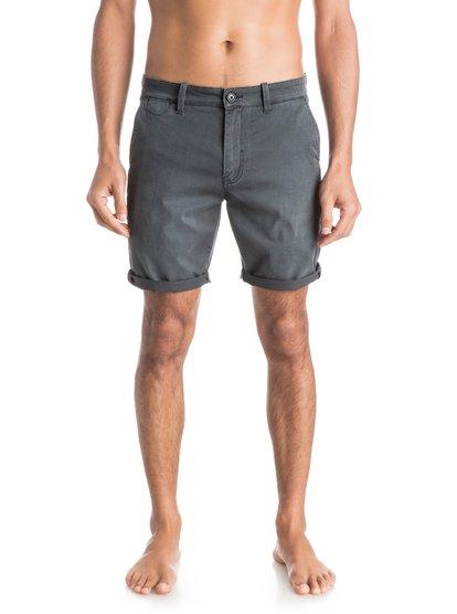 Mens Krandy Chino Slim ShortsМужские шорты Krandy Chino Slim от Quiksilver. <br>ХАРАКТЕРИСТИКИ: ткань «чино», узкий крой, длина бокового шва – 45,7 см (18), классические пять карманов.<br>СОСТАВ: 98% хлопок, 2% эластан.<br>
