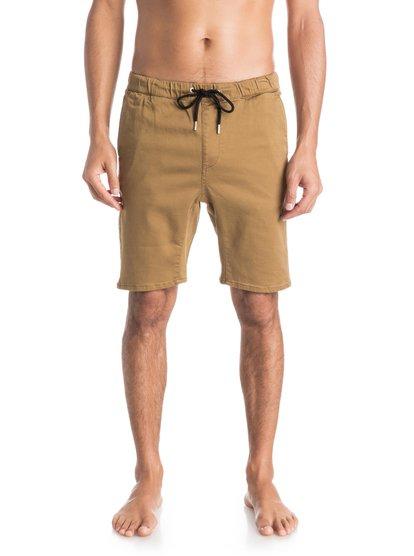 Fonic ShortsМужские шорты Fonic от Quiksilver. <br>ХАРАКТЕРИСТИКИ: эластичная ткань, фасон «чино», узкий крой, заниженная шаговая линия с клиновидной вставкой-ластовицей. <br>СОСТАВ: 99% хлопок, 1% эластан.<br>
