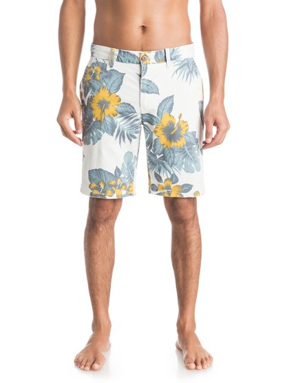 Mens Krandy Havana ShortsМужские шорты Krandy Havana от Quiksilver. <br>ХАРАКТЕРИСТИКИ: ткань «чино», прямые и зауженные к краям штанины, длина – 48,3 см (19), классические пять карманов. <br>СОСТАВ: 98% хлопок, 2% эластан.<br>