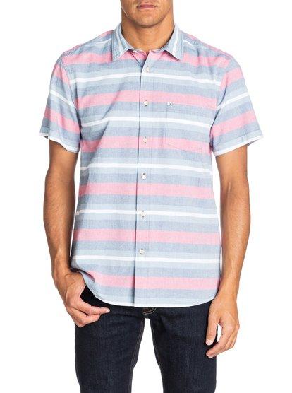PembertonМужская рубашка с коротким рукавом от Quiksilver – новинка из коллекции Весна 2015. Характеристики: современный крой Modern Fit, оксфорд, дизайн в полоску.<br>