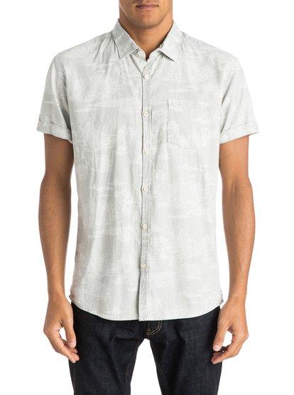 Mens Pyramid Point Shirt Short Sleeve ShirtМужская рубашка с коротким рукавом Pyramid Point Shirt от Quiksilver.ХАРАКТЕРИСТИКИ: хлопок-шамбре, крой Modern, вытравной принт.СОСТАВ: 100% хлопок.<br>