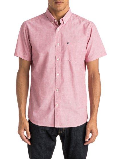 Wilsden Short Sleeve ShirtМужская рубашка с коротким рукавом Wilsden от Quiksilver. <br>ХАРАКТЕРИСТИКИ: короткие рукава, ткань плетения из нитей двух разных цветов, крой Modern, один нагрудный карман. <br>СОСТАВ: 60% хлопок, 40% полиэстер.<br>