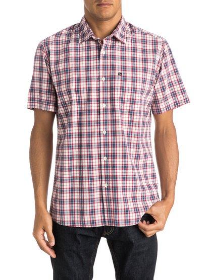 Everyday Check Short Sleeve ShirtМужская рубашка с коротким рукавом Everyday Check от Quiksilver.ХАРАКТЕРИСТИКИ: натуральный поплин, стандартный крой, технология щадящей окраски в клетку, нагрудный карман.СОСТАВ: 100% хлопок.<br>