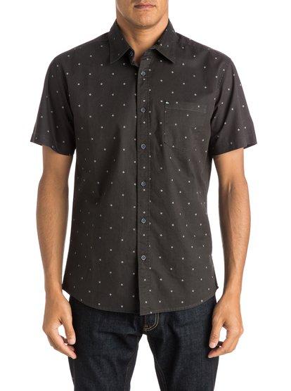Everyday Mini Motif Short Sleeve ShirtМужская рубашка с коротким рукавом Everyday Mini Motif от Quiksilver.ХАРАКТЕРИСТИКИ: короткие рукава, тонкая хлопчатобумажная саржа, крой Modern, принт с логотипом Quiksilver.СОСТАВ: 100% хлопок.<br>