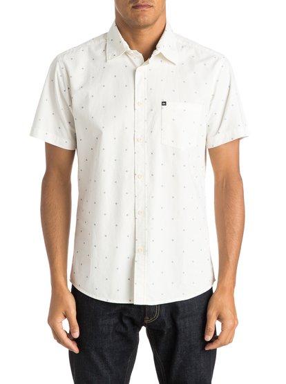 Everyday Mini Motif Short Sleeve ShirtМужская рубашка с коротким рукавом Everyday Mini Motif от Quiksilver. <br>ХАРАКТЕРИСТИКИ: короткие рукава, тонкая хлопчатобумажная саржа, крой Modern, принт с логотипом Quiksilver. <br>СОСТАВ: 100% хлопок.<br>
