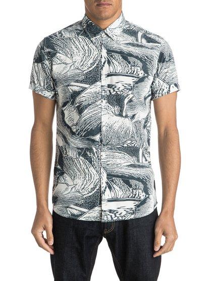 Dark Trip Shirt Short Sleeve ShirtМужская рубашка с коротким рукавом Dark Trip Shirt от Quiksilver.ХАРАКТЕРИСТИКИ: короткие рукава, натуральный поплин, узкий крой, художественный принт.СОСТАВ: 100% хлопок.<br>