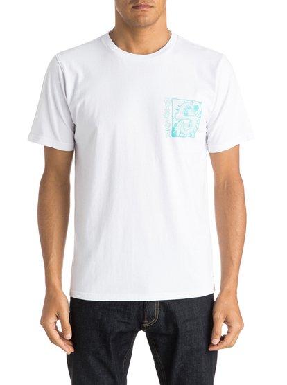 White Light T-ShirtМужская футболка White Light от Quiksilver. <br>ХАРАКТЕРИСТИКИ: короткие рукава, мягкий натуральный трикотаж, ткань средней плотности 180 г/кв. м, брендинг коллекции Dark Rituals. <br>СОСТАВ: 100% хлопок.<br>