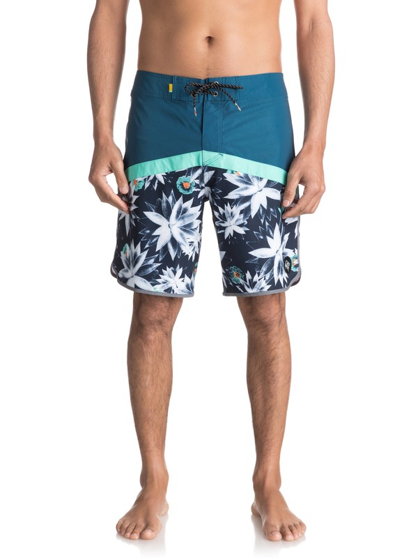 """0 Crypt Scallop 18"""" - Boardshort Blue EQYBS03743 Quiksilver"""