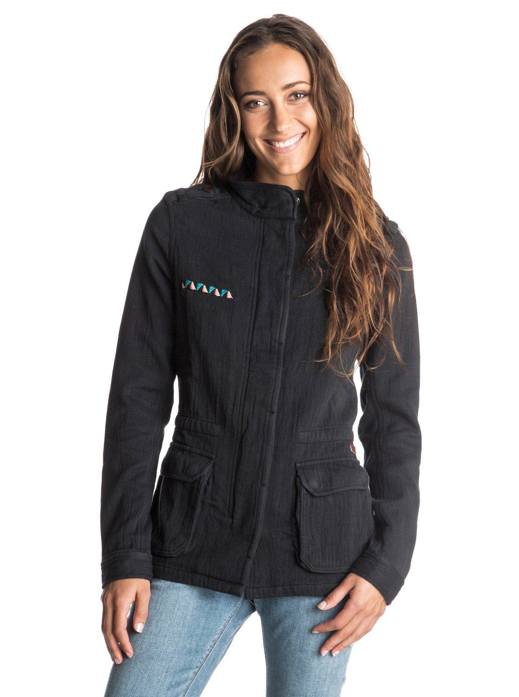 In The Wind CoatЖенская куртка In The Wind от ROXY.ХАРАКТЕРИСТИКИ: стиль «милитари», вышивка на груди, застегивается на кнопки, декоративный принт на спине.СОСТАВ: 100% хлопок.<br>