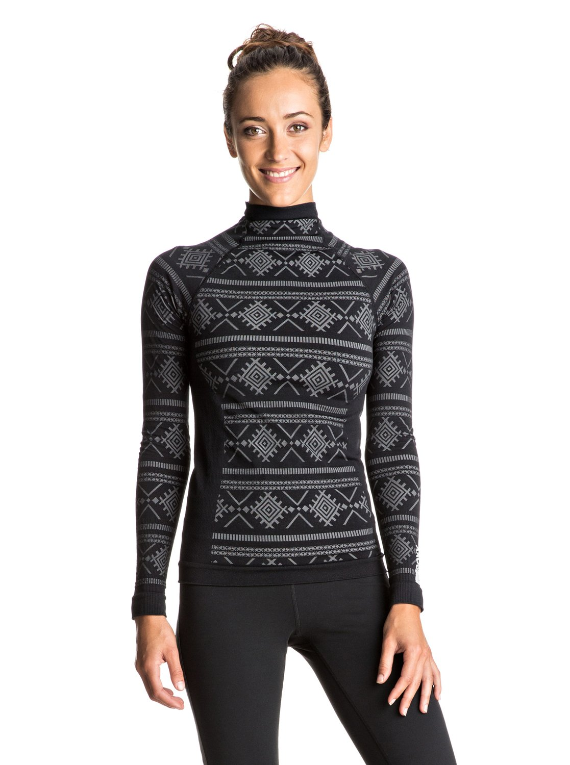 A long sleeve workout top is a must-have for high-performing women's workout clothes that support your workout. Our long sleeve shirt selections are about style that pushes you beyond your limits.