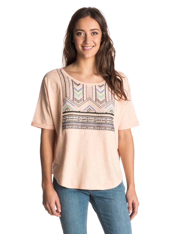 Женская футболка Big Sur DreamЖенская футболка Big Sur Dream от Roxy.ХАРАКТЕРИСТИКИ: короткие рукава, вязаный текстиль, вышивка с этническими узорами.СОСТАВ: 100% хлопок.<br>