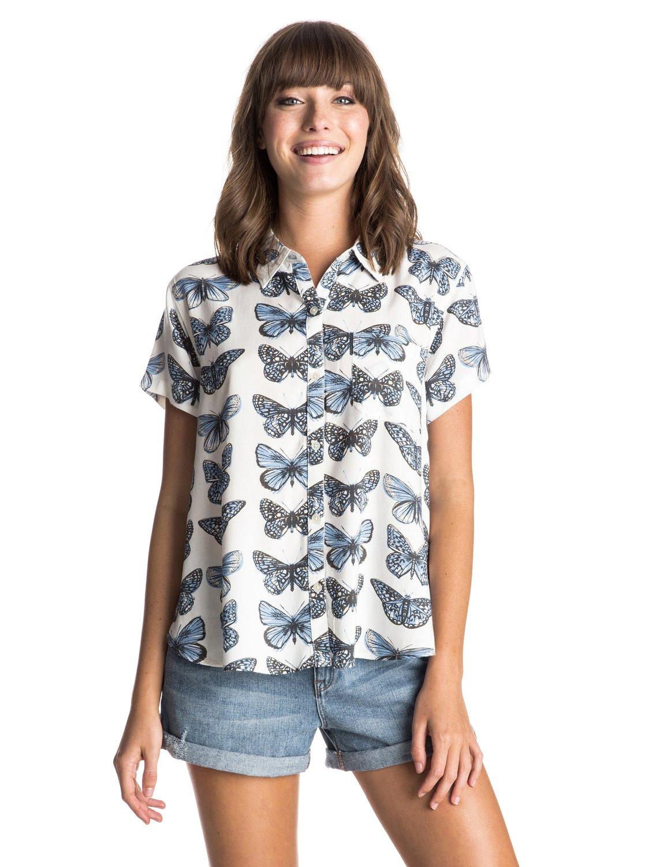 Vista Point Short Sleeve ShirtЖенская рубашка с коротким рукавом Vista Pointот ROXY.ХАРАКТЕРИСТИКИ: на пуговицах, короткие рукава, сплошной принт.СОСТАВ: 100% вискоза.<br>