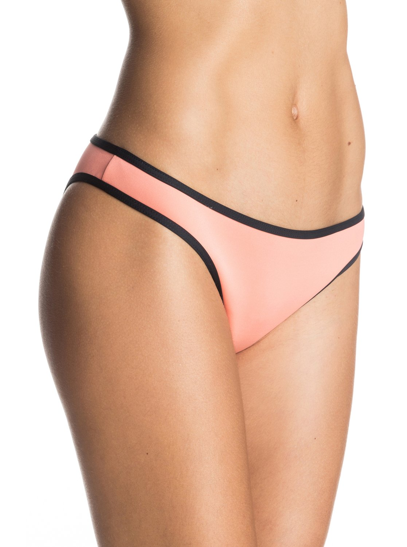 Polynesia Bikini BottomsЖенские плавки бикини Polynesia от ROXY.ХАРАКТЕРИСТИКИ: фасон Surfer, малая площадь ткани, расцветка Polynesia, мягкий, удобный и прочный эластичный полиэстер.СОСТАВ: 86% полиэстер, 14% эластан.<br>