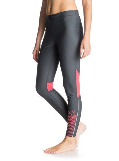 Женские леггинсыЖенские штаны Relay от Roxy.ХАРАКТЕРИСТИКИ: переработанный нейлон, технологичная лайкра Xtra Life, превосходные дышащие свойства, изделие быстро высыхает.СОСТАВ: 78% нейлон, 22% лайкра.<br>