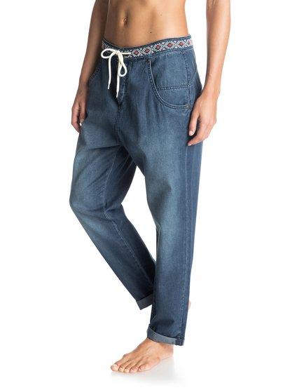 Свободные женские джинсы Harmonize DenimСвободные женские джинсы Harmonize Denim от Roxy.ХАРАКТЕРИСТИКИ: свободный крой, вышивка вдоль ремня, кожаная нашивка Roxy.СОСТАВ: 100% хлопок.<br>