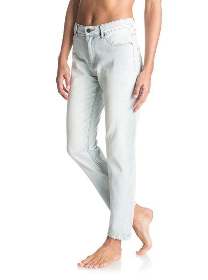 Джинсы с высокой линией талии One Good ShotУкороченные джинсы из специально выбеленного денима производят очень эффектное впечатление, а их высокую талию можно удачно подчеркнуть облегающим топом темной или яркой расцветки. От прогулок по сувенирным базарам до танцев до утра — они поддержат ваши любые начинания! Входят в линейку La Isla Cuba.<br>