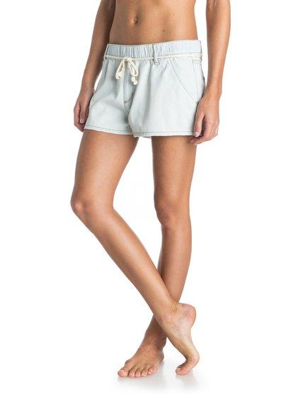 Женские джинсовые шорты Beachy BeachЖенские джинсовые шорты Beachy Beach от Roxy.ХАРАКТЕРИСТИКИ: легкая ткань плотностью 175,8 г/кв. м, винтажный эффект выцветшей ткани, прямоугольная кожаная нашивка Roxy на заднем кармане, плетеный ремень.СОСТАВ: 100% хлопок.<br>