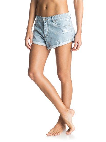 Womens Burnin Denim ShortsЖенские джинсовые шорты Burnin от ROXY.ХАРАКТЕРИСТИКИ: жаккардовый деним, подвернутые края, двухцветная петля для ремня сзади, кожаная нашивка ROXY на заднем кармане.СОСТАВ: 100% хлопок.<br>