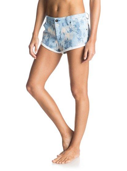 Peaceful Printed Denim ShortsЖенские джинсовые шорты Peaceful Printed от ROXY.ХАРАКТЕРИСТИКИ: мягкий деним неровной вязки, сплошной принт, искусственный эффект заношенности, кожаная нашивка ROXY на заднем кармане.СОСТАВ: 98% хлопок, 2% эластан.<br>