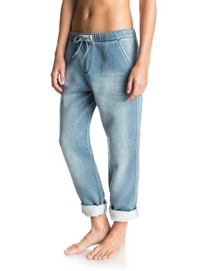 Женские штаны для бега FonzyЖенские штаны для бега Fonzy от Roxy.ХАРАКТЕРИСТИКИ: материал средней плотности 312 г/кв. м, деним свободного кроя, классический винтажный синий цвет, прямоугольная кожаная нашивка Roxy на заднем кармане.СОСТАВ: 91% хлопок, 8% полиэстер, 1% эластан.<br>