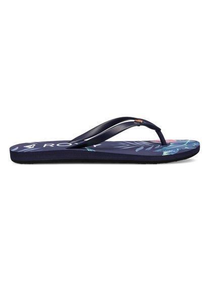 Bamboo - RoxyBamboo – новинка из коллекции обуви Roxy Весна-лето 2015. Характеристики: женские шлепанцы, мягкий каучуковый верх, эмалевый логотип-сердечко Roxy. Дополнительно: стелька из полимера EVA двойной плотности, состав – ВЕРХ: 100% пластик / ПОДОШВА: 100% каучук.<br>