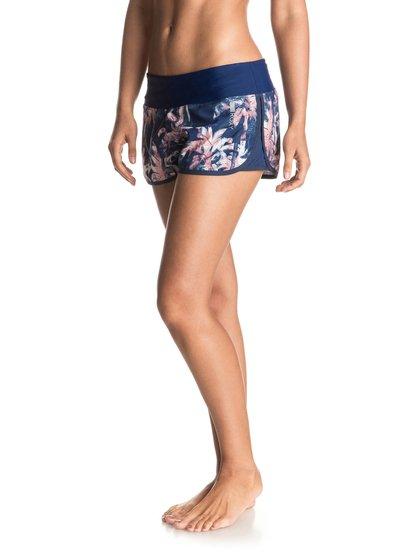 Шорты для бега Thats A Lap 2Ткань, из которой сшиты эти легкие женские шорты для бега, обладает выраженными дышащими свойствами благодаря технологии ROXY DryFlight: она выводит с поверхности кожи лишнюю влагу и очень быстро высыхает. Яркие принты, удобные утяжки и небольшой кармашек на молнии на уровне поясницы с эластичной петлей для крепления ключа: идеальный набор!<br>