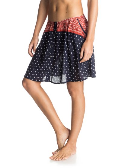 Юбка «мини» CosmiaЖенская юбка «мини» Cosmia от Roxy.ХАРАКТЕРИСТИКИ: принт Novelty, расклешенный крой, пуговицы спереди, два прорезных кармана.СОСТАВ: 100% вискоза.<br>